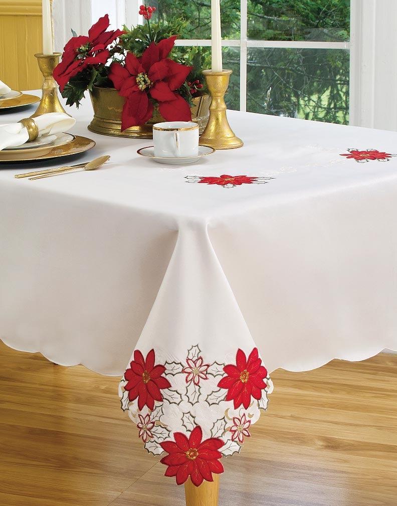 Merveilleux Christmas Poinsettia Tablecloth